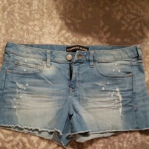 EXPRESS  distressed shorts. Size 10.